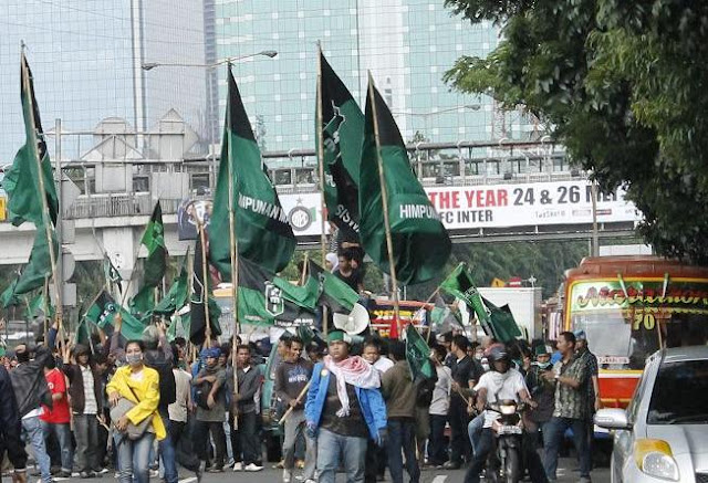 HMI Ingatkan !! Jika Ahok di Biarkan Jangan Salahkan Terjadi Kerusuhan seperti 98 yang Menelan Korban Etnis