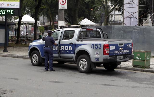 Devido ao pouco caso em armar a Guarda Municipal de Santos, Inspetor é torturado e Guardas são assaltos na ZN