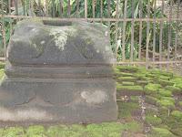 Umpak Teknologi Kuno Untuk Menanggulangi Gempa