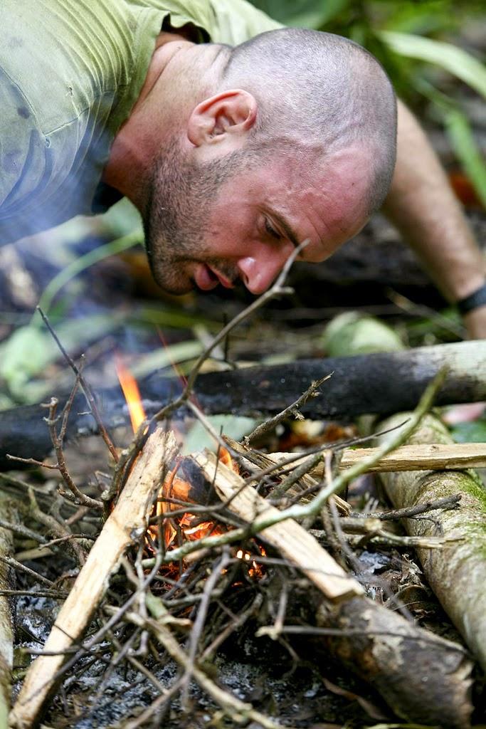 ONE DAY IN THE AMAZON RIVER BASIN   Ed Stafford (Explorer) Trek in the Amazon jungle