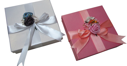 DECORATED BOXS IN PINK & WHITE.