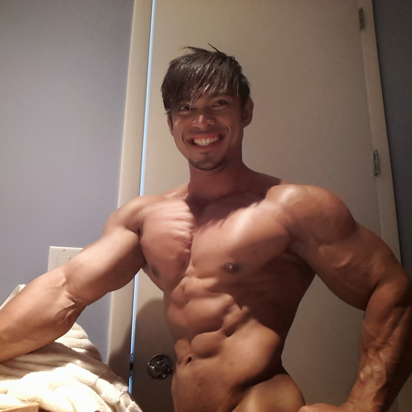 Nude Asian Muscle 61