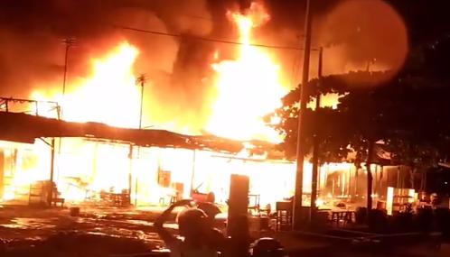 Kebakaran di Tabek Gadang Pekanbaru, Sepuluh Kedai Ludes Dilalap Si Jago Merah