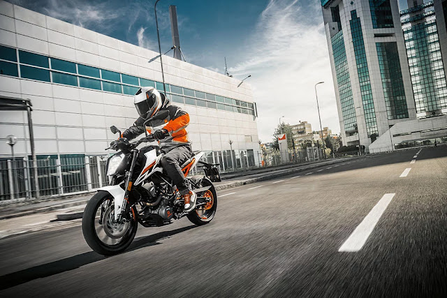 Top 8 Best bike in India under 2 lakh, KTM duke 250
