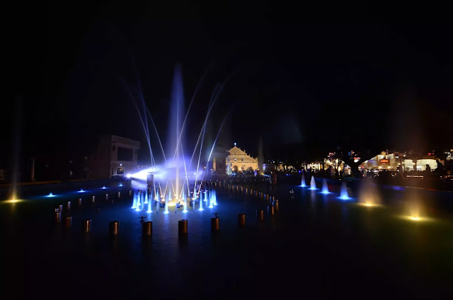 7 Plaza Salcedo Dancing Fountains