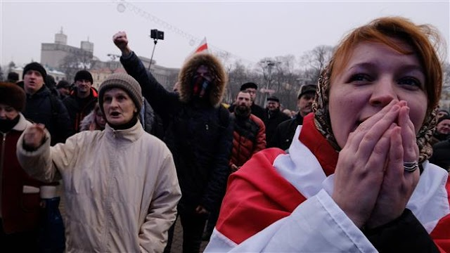 Belarus detains opposition leaders over tax protests