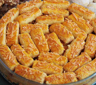 kue-kering-spesial-lebaran-resep-cara-membuat-kue-kastengel-keju-renyah-dan-empuk