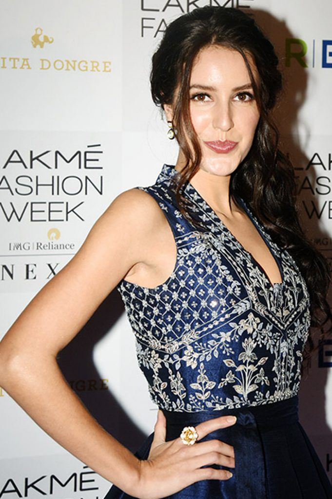 Isabel Kaif Graced The Ramp Wearing An Anita Dongre Creation
