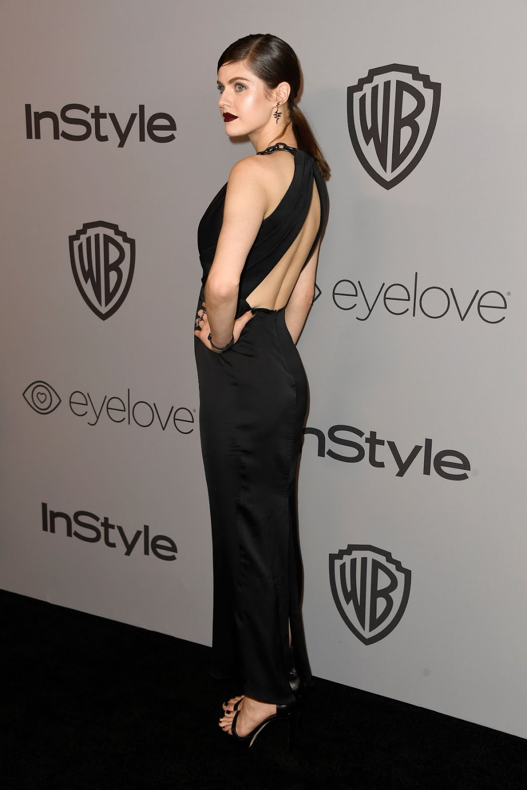 Alexandra Daddario HD Photos at Instyle And Warner Bros Golden Globes After Party In Los Angeles