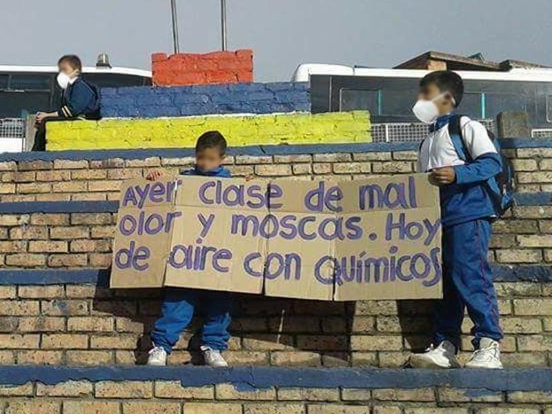 Invasión de moscas en colegio Mochuelo Alto por derrumbe en el basurero Doña Juana