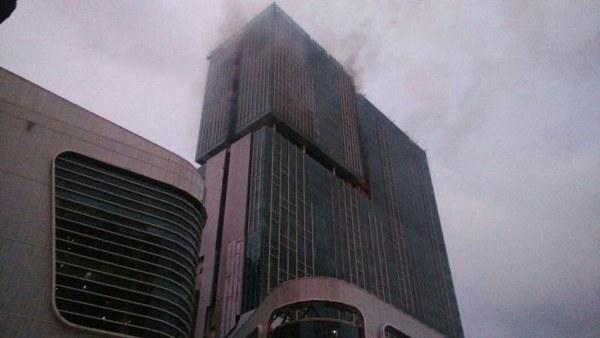 gedung Swiss Belhotel kebakaran