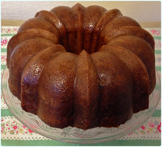Apple and Giant Sultana Bundt