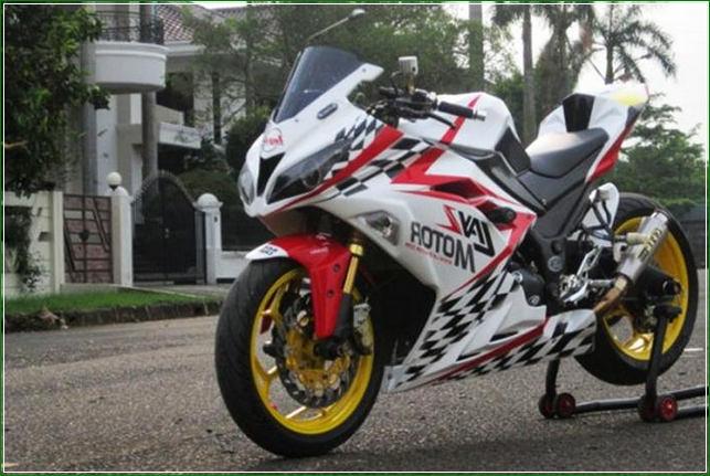 Modifikasi Cat Airbrush Hitam Putih Velg Kuning - Contoh Gambar Dan Foto Konsep Desain Modifikasi Kawasaki Ninja 4 Tak 250cc Sporti Ala Moge Keren Banget