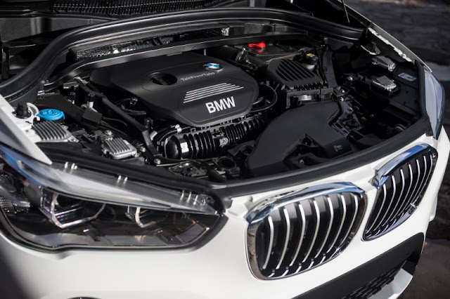 2017 BMW X1 XDRIVE28I Engine