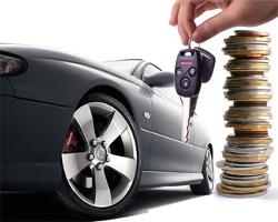 Imagem com chave, carro e moedas.