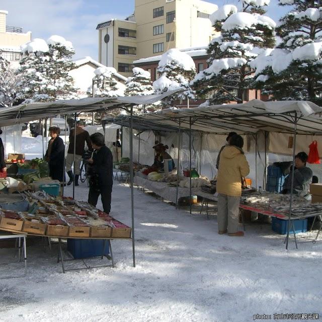 【陣屋前朝市】高山100多年歷史朝市 冰天雪地照樣營業