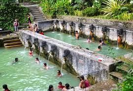 kolam kecil air panas banjar