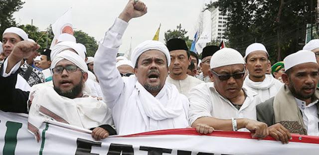 Jika Kriminalisasi Tak Dihentikan, Habib Rizieq Ancam Serukan Revolusi Putih dar Arab