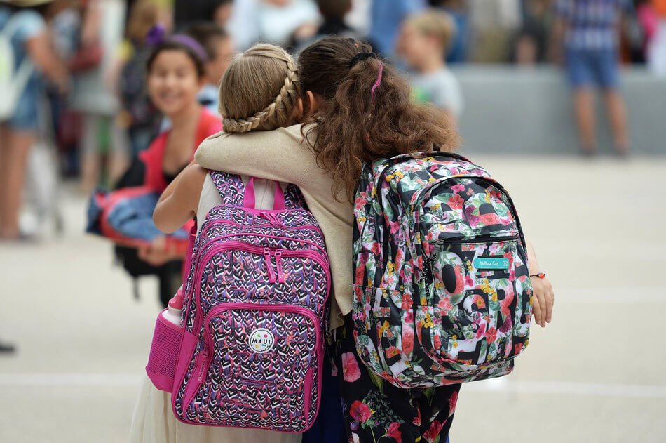 55 Stunning Photographs Of Girls Going To School In Different Countries - France