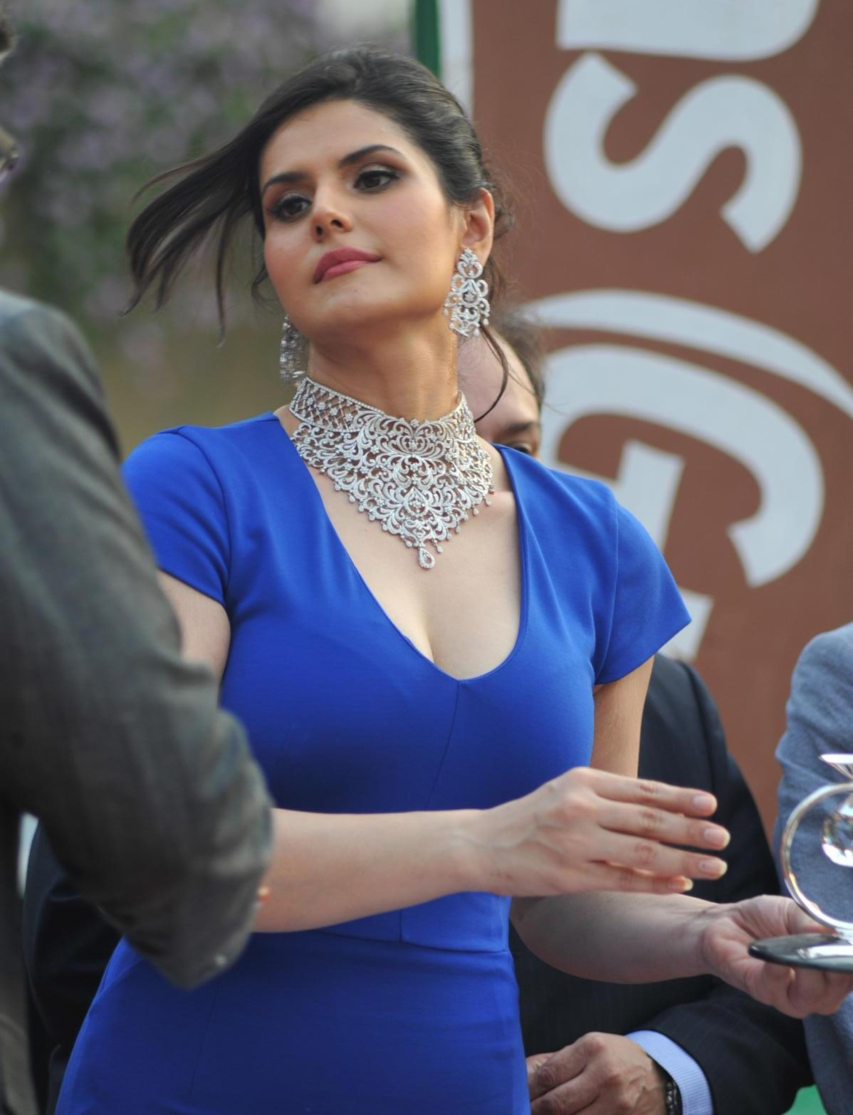 High Quality Bollywood Celebrity Pictures: The Gorgeous