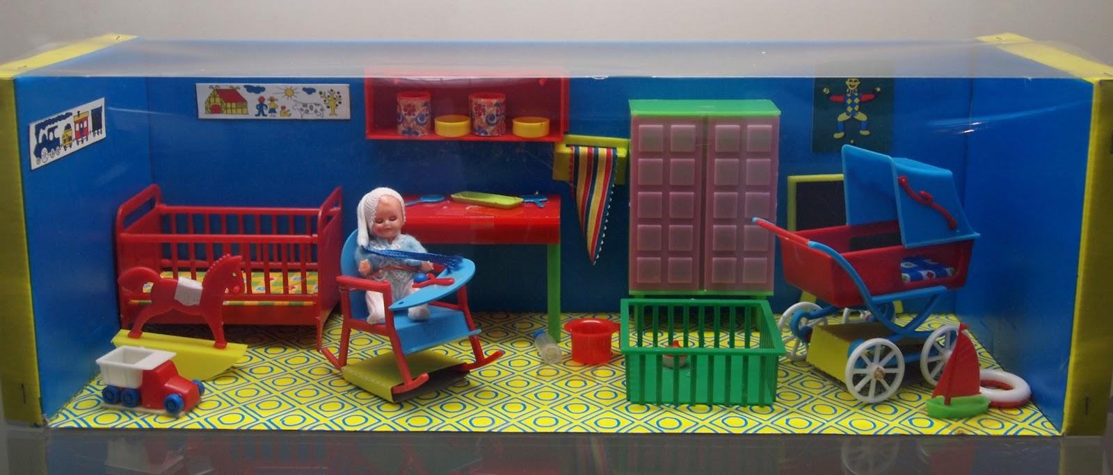 Diepuppenstubensammlerin Kinderzimmer Nurseries