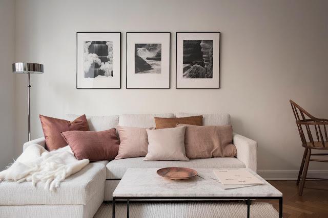 Apartament tip vagon și o frumoasă amenajare cu accente calde de roz prăfuit