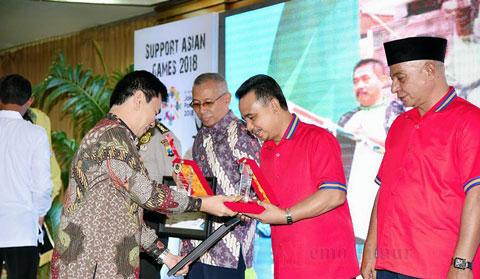 As'at-Thoriq Raih  Penghargaan dari PWI