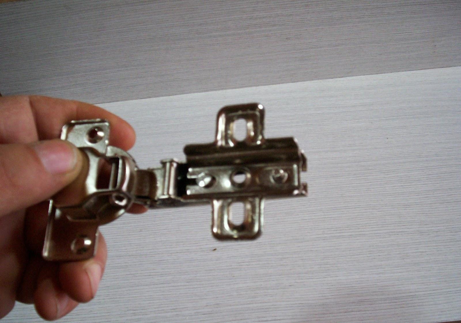 Carpintero en casa como colocar bisagras en mueble de cocina for Partes de un mueble de cocina