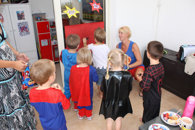 Pin the spider on the web - spiderman party game