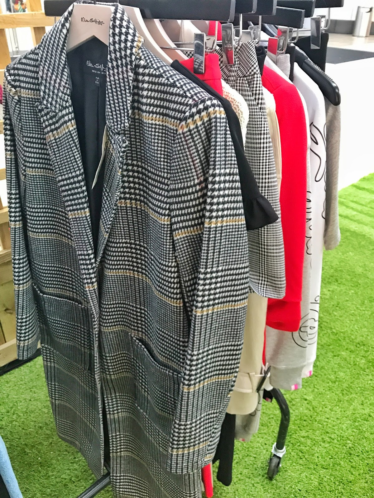 intu, Style Garden, Milton Keynes, Love MK, MK Blogger, Fashion, AW17, red, prince of Wales, trend