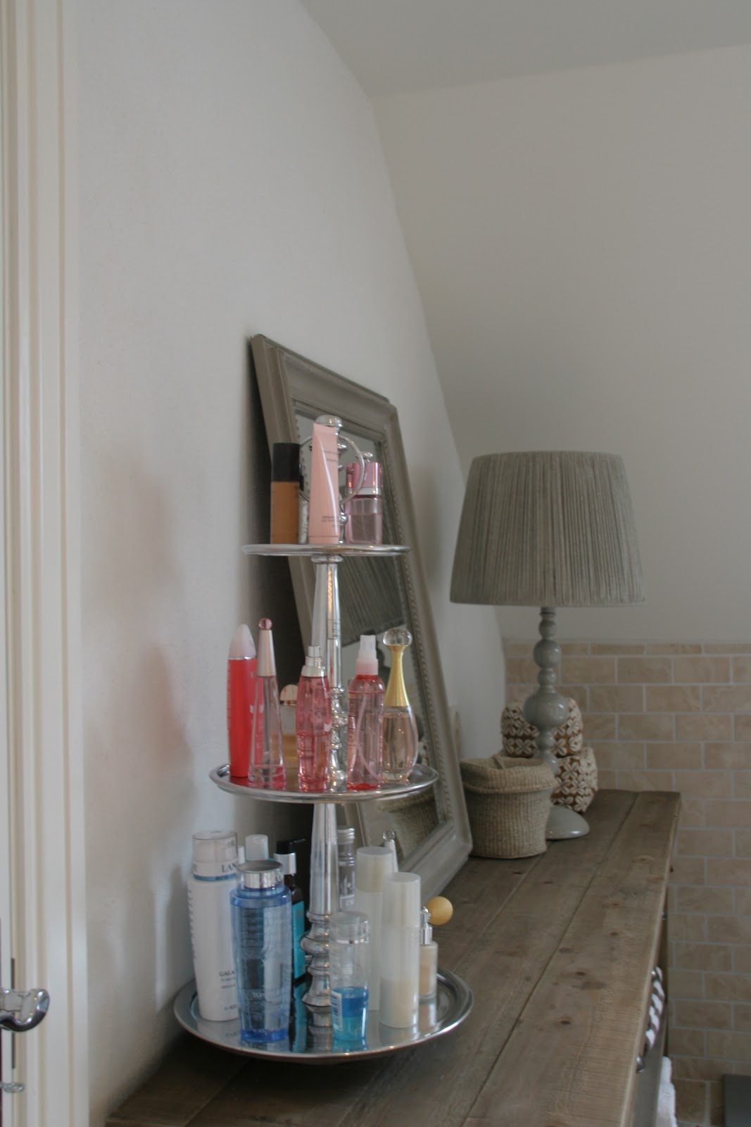 new villa von krogh. Black Bedroom Furniture Sets. Home Design Ideas
