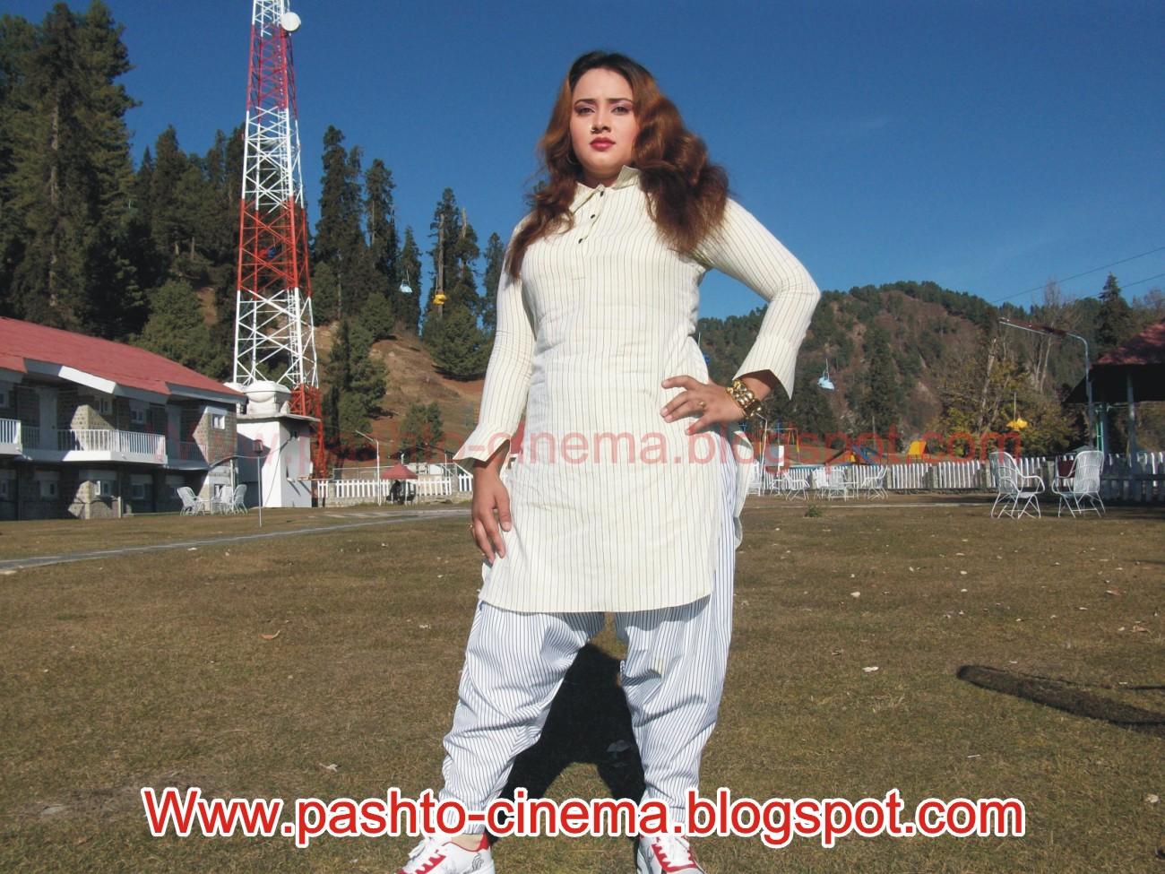 Pashto Dancer Nadia Gul Six: Pashto Songs: Dancer