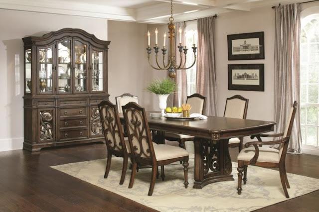 Ilana Formal Dining Room Group
