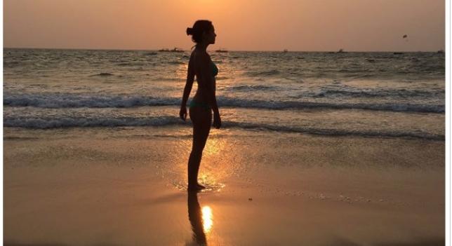 Cristina Pedroche vante par son corps en bikini sur les plages de l'Inde