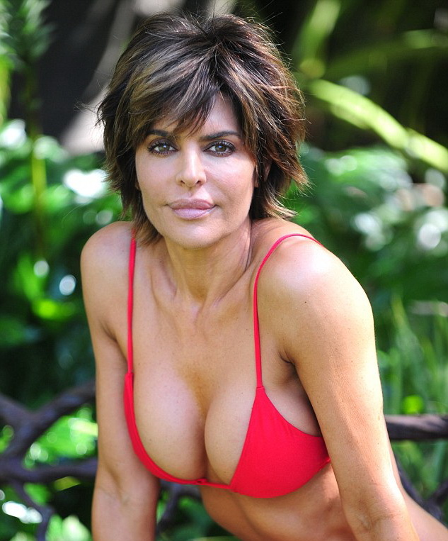 Lisa rinna naked shoulders down