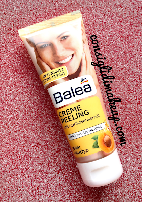 Pelle liscia e senza imperfezioni con la Crema Peeling di Balea