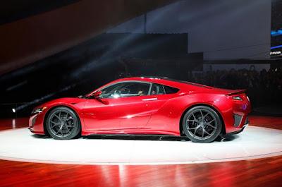 2016 New Honda NSX Supercar performance siide view