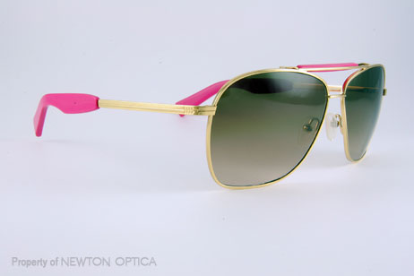 14bbd59bb07b Slightly modified Aviator look with a pink accent by Mosley Tribes.