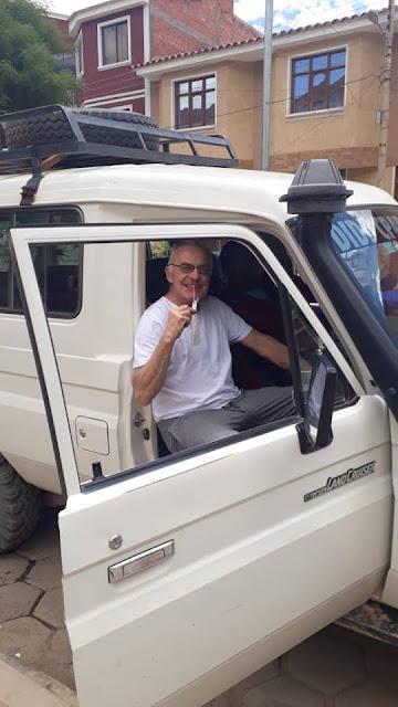 Der Padre in Tupiza beim Mittagessen. Nun sind es noch 120 km bis Esmoraca.