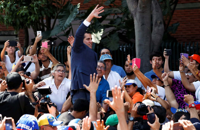 Guaidó anuncia llegada de ayuda humanitaria por Colombia y Brasil #2Feb (Fotos)