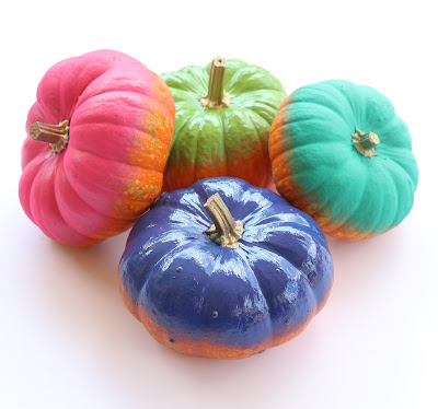 http://www.akailochiclife.com/2015/09/paint-it-colorful-fall-pumpkins.html