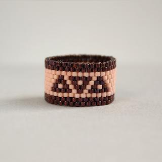 Купить стильные кольца кольца в интернет-магазине авторской бижутерии из бисера.