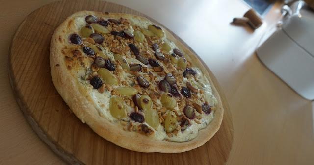 Pizza Traube-Nuss