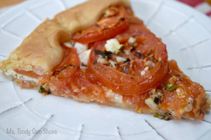 Tomato & Goat Cheese Crostata - Add a salad and you've got a nice light supper! | Ms. Toody Goo Shoes