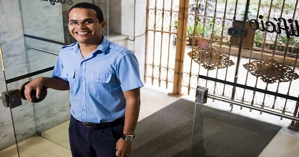 Empresa prestadora de serviços abre 16 vagas para Porteiro Sem Experiência no RJ