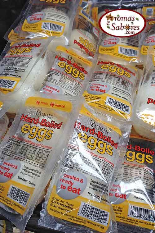 Ovos cozidos e embalados