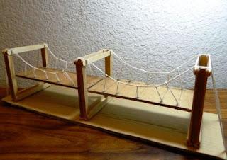 Cara Membuat Kerajinan Tangan – Replika Jembatan dari Stik Es Krim