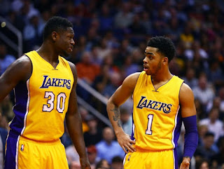 Los Angeles Lakers: Randle (30) et Russell (1)