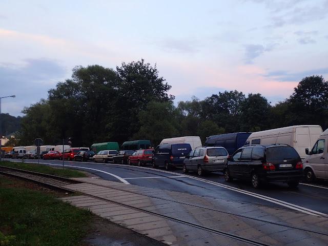Na granicy w Krościenku spora kolejka, ale idzie szybko