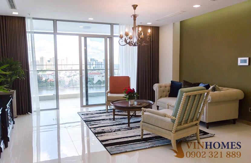 Cho thuê Penthouse 4 phòng ngủ tại tòa nhà Park 2 Vinhomes Bình Thạnh - phòng khách kề bancong